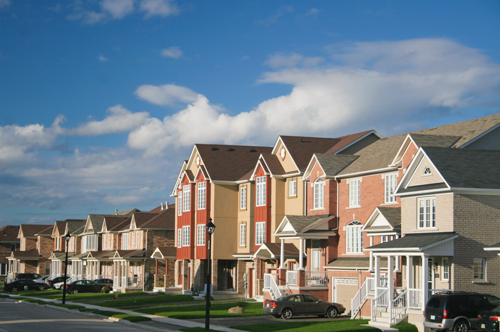 A row of new townhouses - Free Stock Photo